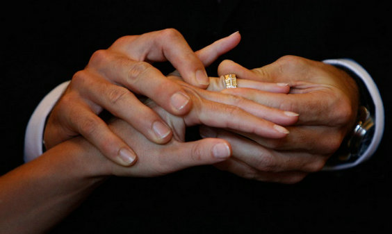 Депутаты Архангельской области одобрили браки до 16-ти лет